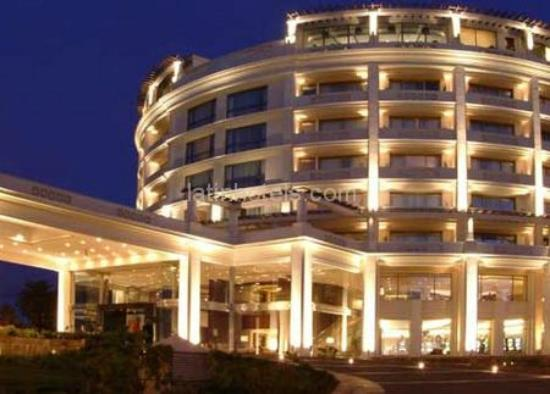Hotel del Mar - Enjoy Vina del Mar - Casino & Resort: Vista del hotel de noche