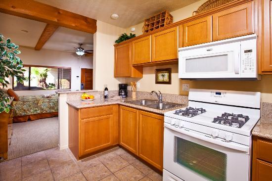 Azure Sky Resort: All units include a fully equipped kitchen