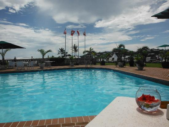 Pink Beach Club &amp; Cottages: View from poolside dining