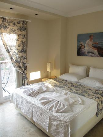 Saylam Suites: Bedroom