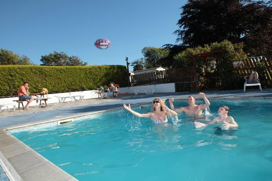 301 moved permanently - Camping sites uk with swimming pools ...