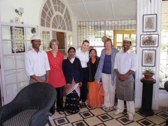 Balipara, Hindistan: Farewell to staff in the Heritage Bungalow