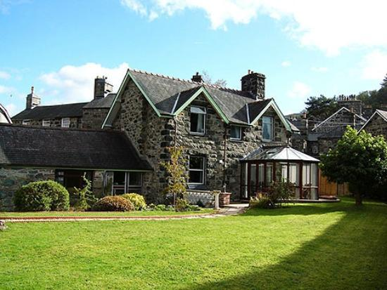 Dolronwy Bed & Breakfast