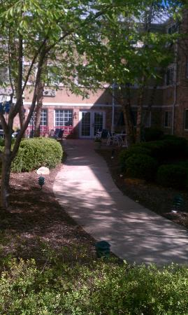 Extended Stay America - Indianapolis - West 86th St.: Courtyard