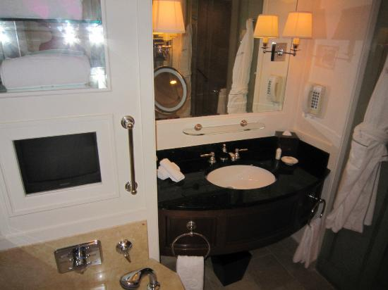 Bathroom vanity and tv picture of the peninsula chicago for Bathroom vanities chicago suburbs