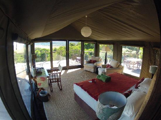 HillsNek Safaris, Amakhala Game Reserve: Panoramic Views from the Tents