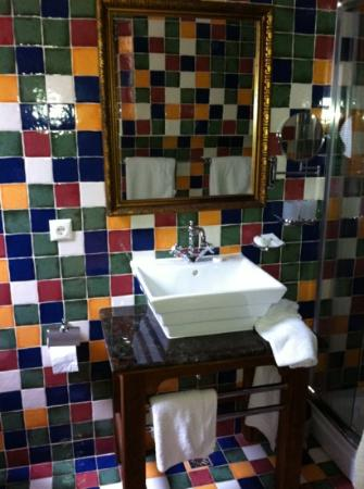 Casa Rozelor - boutique hotel: bathroom
