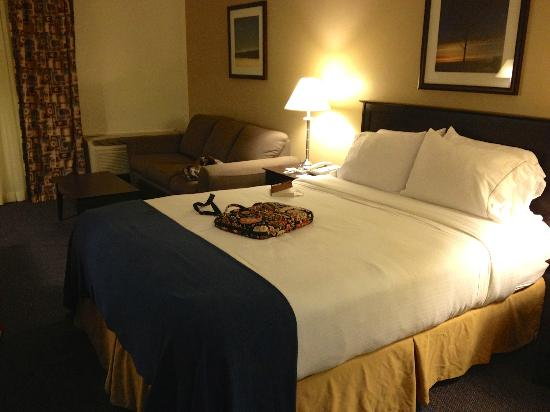 Holiday Inn Express Halifax / Bedford: Bed