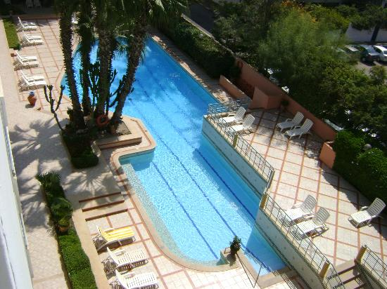Hotel Kamal: vue piscine
