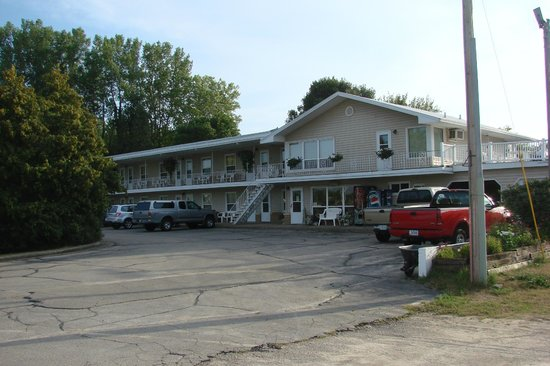 Photo of The Frontier Motel Marquette