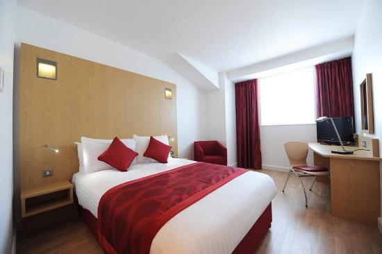 Ramada Encore Luton Airport