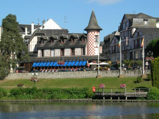 Photo of Hotel-Restaurant La Potiniere du Lac Bagnoles-de-l'orne