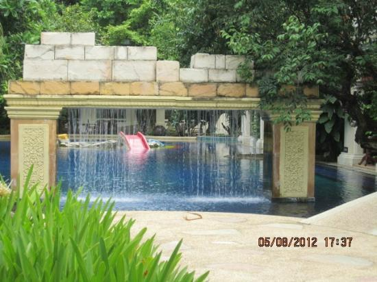 Centara Khum Phaya Resort & Spa, Centara Boutique Collection: One of the many water features