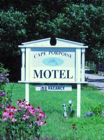 "The Cape Porpoise Motel: Sign of the ""Quiet Side of Kennebunkport"""