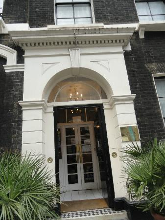 Garth Hotel: Main entrance