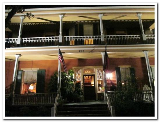 George Blucher House Bed & Breakfast Inn: View of the front on a summer evening..
