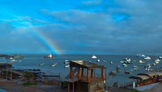 Hotel Casa Blanca: Rainbow view from the balcony of Isabela