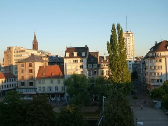 Novotel Strasbourg Centre Halles : View of the city from our room 