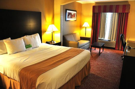 La Quinta Inn & Suites Columbus West - Hilliard: Nice room