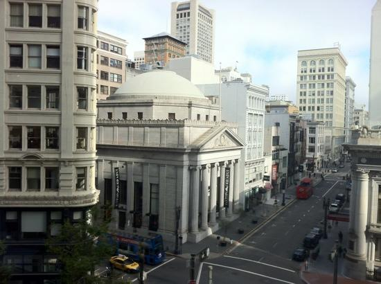 Four Seasons Hotel San Francisco: View from restaurant at breakfast