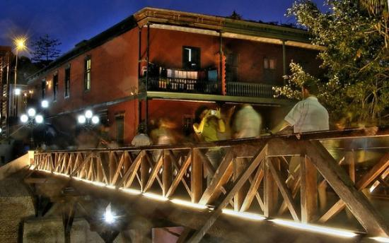 Kaminu Backpackers Hostel: el puente de los suspiros