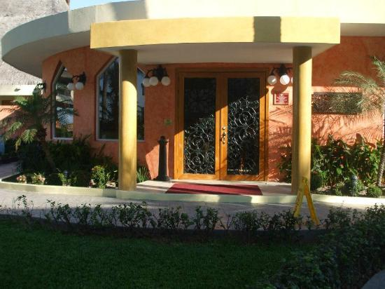 Golden Crown Paradise Resort Puerto Vallarta: The entrance to the french restaurant at Crown which we loved