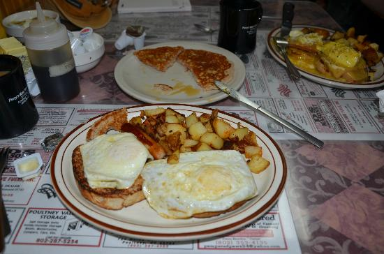 Poultney, VT: Another perfect breakfast at Perrys