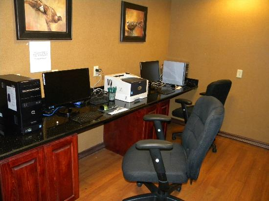 Wingate by Wyndham Abilene: Business Center (Open 24 hr. free printing and faxing )