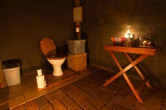 Mosetlha Bush Camp &amp; Eco Lodge: The Toilet