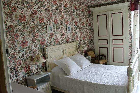 Mauzens-et-Miremont, : chambre