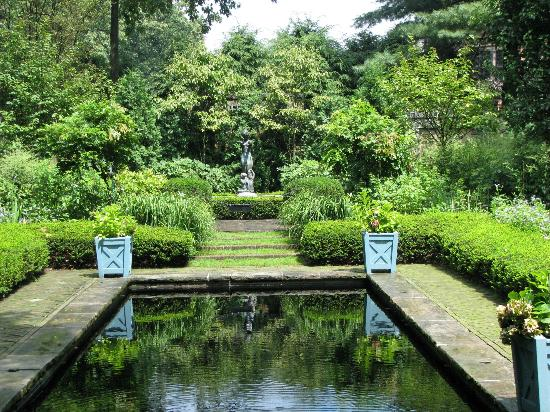 Stan Hywet Hall And Gardens Akron Oh Hours Address