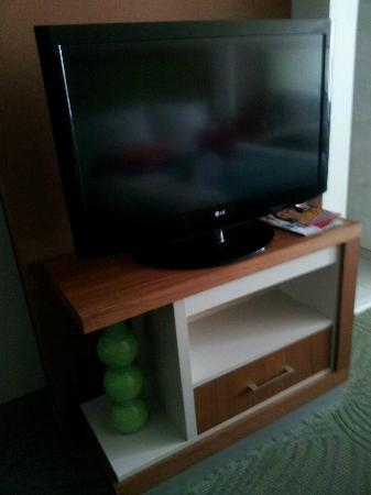 SpringHill Suites Pittsburgh Bakery Square: TV
