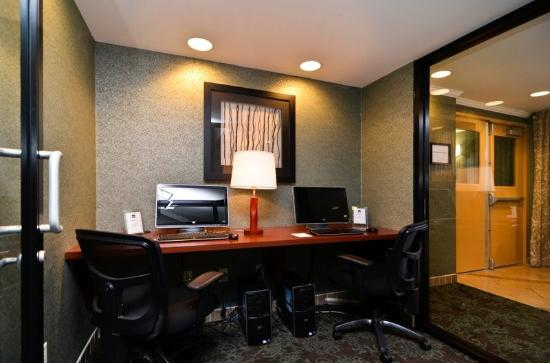BEST WESTERN PLUS Langley Inn: Business Center