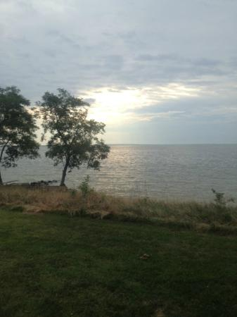 Black Walnut Point Inn: Sunrise