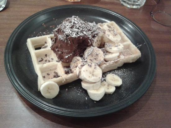 ... mousse waffle with sliced banana and chocolate flakes (and maple syrup