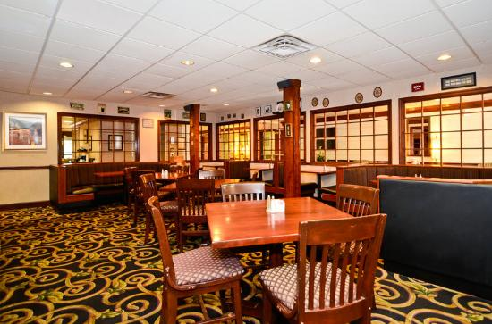 BEST WESTERN Louisville East: Breakfast Area