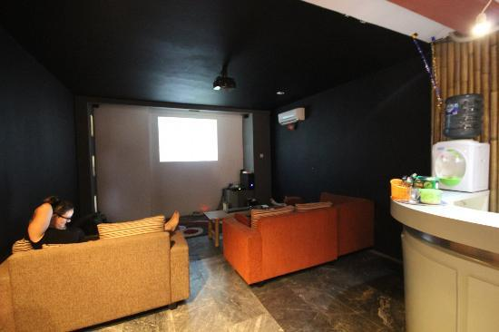 Six Degrees: Home Theatre