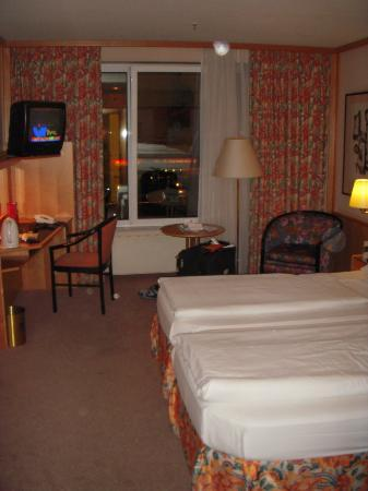 Derag Hotel Grosser Kurfuerst: beds are close together