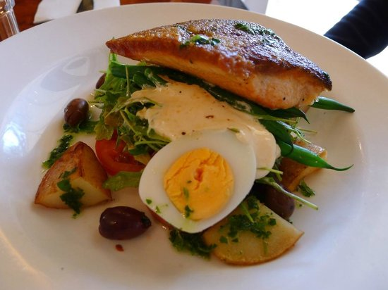 Cafe Bon Ton: Ocean Trout
