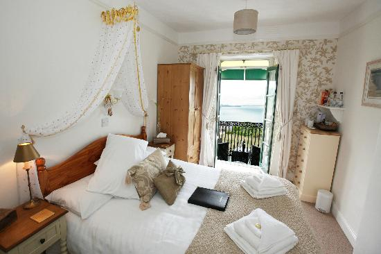 Headland View: Seaview room with balcony