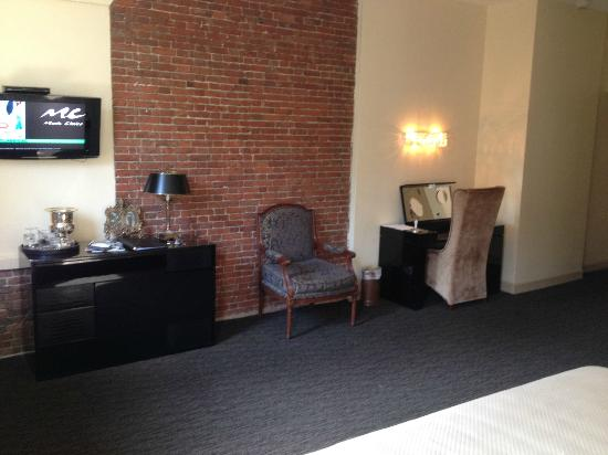 "Garrison Inn Boutique Hotel: ""Corner Suite"""
