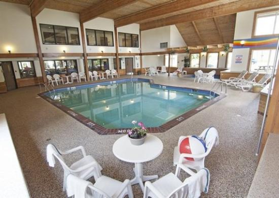 Comfort Inn West: Pool MN