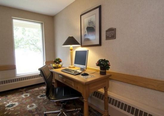 Comfort Inn West: Buscenter MN