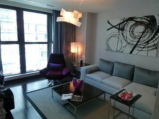 King suite living room picture of ivy boutique hotel for Boutique hotels chicago