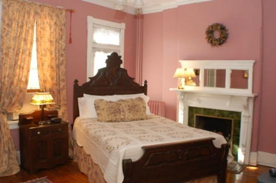 Chester Arthur House B & B at Logan Circle: Magnolia Room