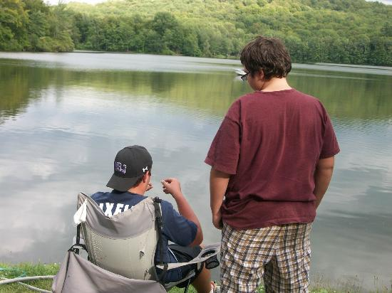 Keen Lake Camping and Cottage Resort: The boys enjoyed the fishing