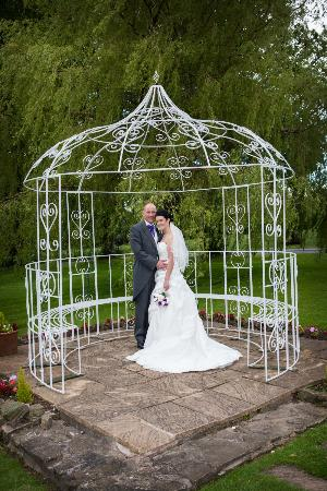 Northop Hall Country House Hotel: birdcage