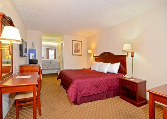 Econo Lodge Panama City: Other Hotel Services/Amenities
