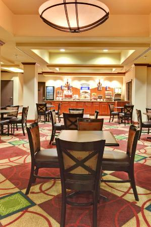 Holiday Inn Express Yuma: Breakfast Area