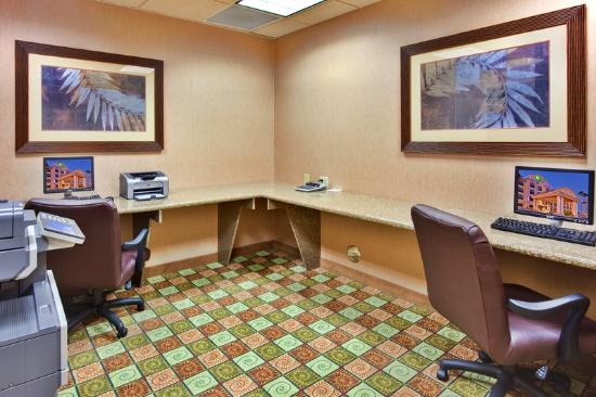 Holiday Inn Express Yuma: Business Center